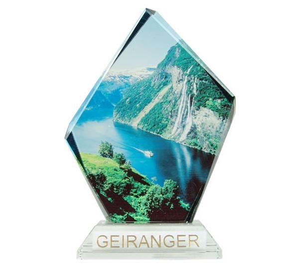 Bilde av Glassblokk, Geiranger, med sokkel, liten