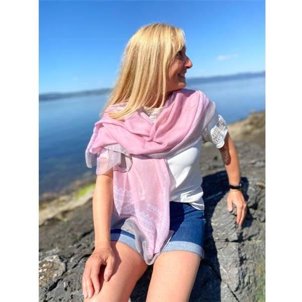 Bilde av Mariusskjerf lys rosa og grå.